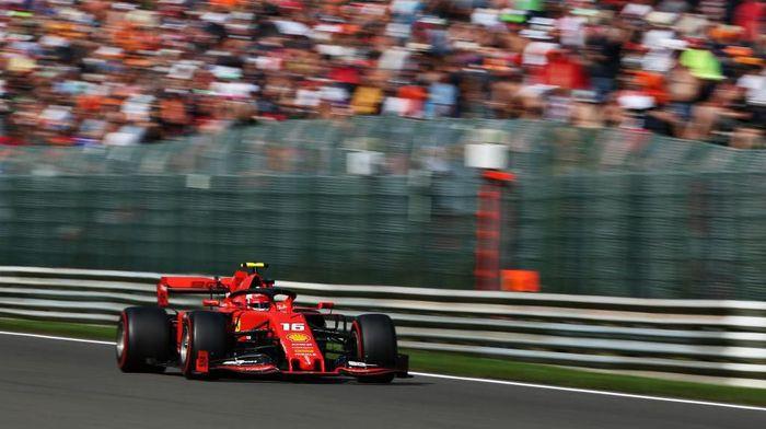 Charles Leclerc start terdepan di GP Belgia. (Foto: Charles Coates/Getty Images)