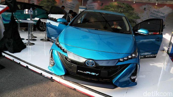 Pameran Kendaraan Bermotor Listrik di Monas/Foto: Pradita Utama