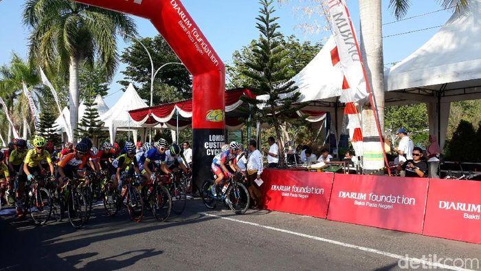 Lomba Customs Cycling Indonesia (CCI) XXIX Series Bupati Cup Gunungkidul V (Foto: Pradito Rida Pertana)