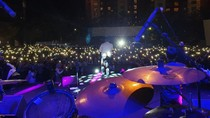 Saat Andmesh Menggebrak Milenial di Pantai Losari Makassar