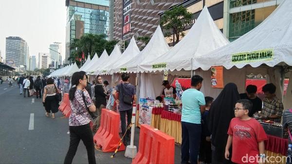 Para wisatawan yang hadir ramai ramai mendatangi Halal Food Festival. Mereka tahu acara ini dari aneka pemeberitaan (Tasya Khairally/detikcom)