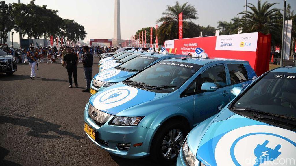 Atasi Polusi Udara Jakarta, Menhub Minta 1.000 Taksi Listrik