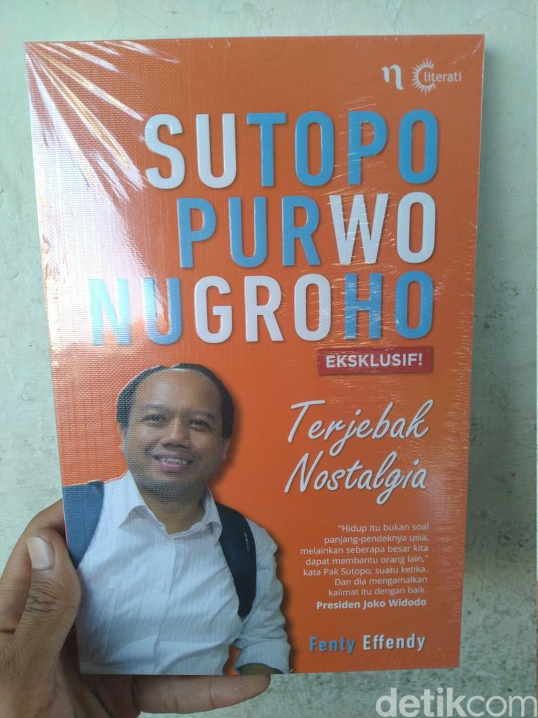 Kisah Jatuh Bangun Almarhum Sutopo Diabadikan di Buku Terjebak Nostalgia