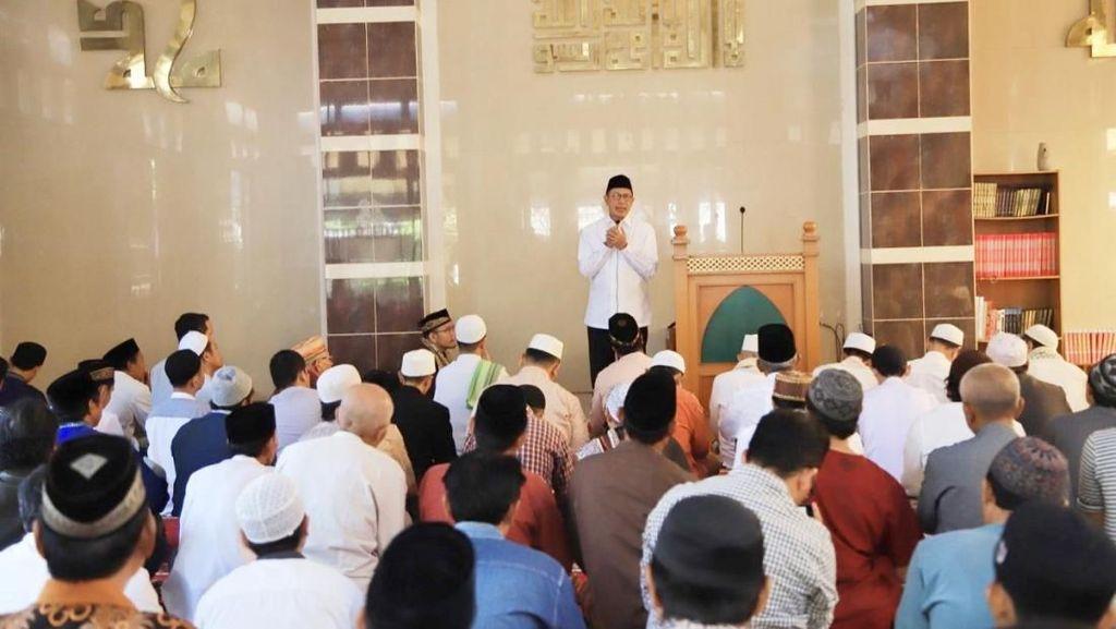 Menag soal Viral Kebaktian di Depan Masjid: Ini Sungguh Menyejukkan