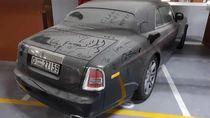 Sayang Banget! Mobil Sekelas Rolls-Royce Dicuekin di Dubai