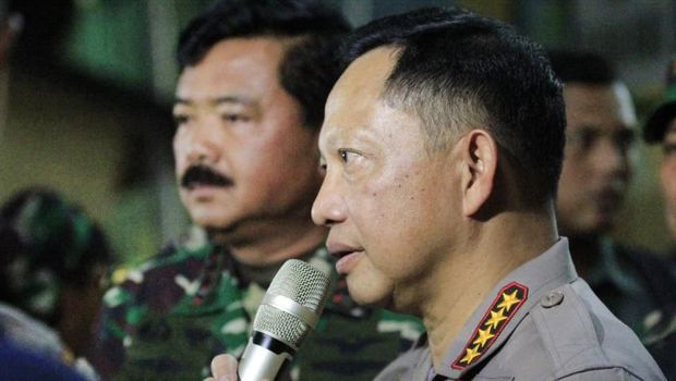 Kapolri Jenderal Tito Karnavian dan Panglima TNI Marsekal Hadi Tjahjanto saat mengunjungi Papua/