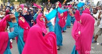 Inilah kemeriahan Tahun Baru Islam yang dirayakan oleh masyarat Kota Ambon. (Muslimin Abbas/detikcom)
