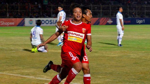 Pelatih Persib Tetap Waspada Badak Lampung Meski Degradasi