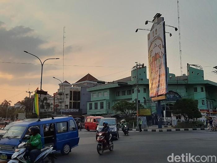 Lokasi lampu merah Ramanda, Depok, yang mulai diputar lagu Hati-hati yang dinyanyikan Walkot M Idris (Foto: Lisye Sri Rahayu/detikcom)