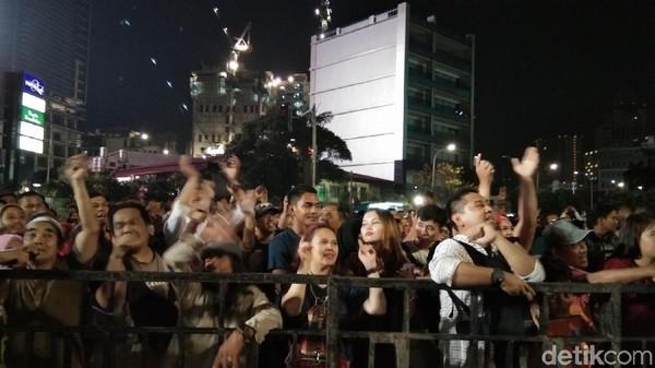 Para pengunjung warga dan wisatawan dari beberapa kota tampak menikmati Jakarta Muharram Festival (Elmy Tasya Khairally/detikcom)