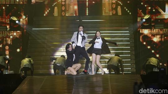 TVXQ Sukses Hibur Penggemar