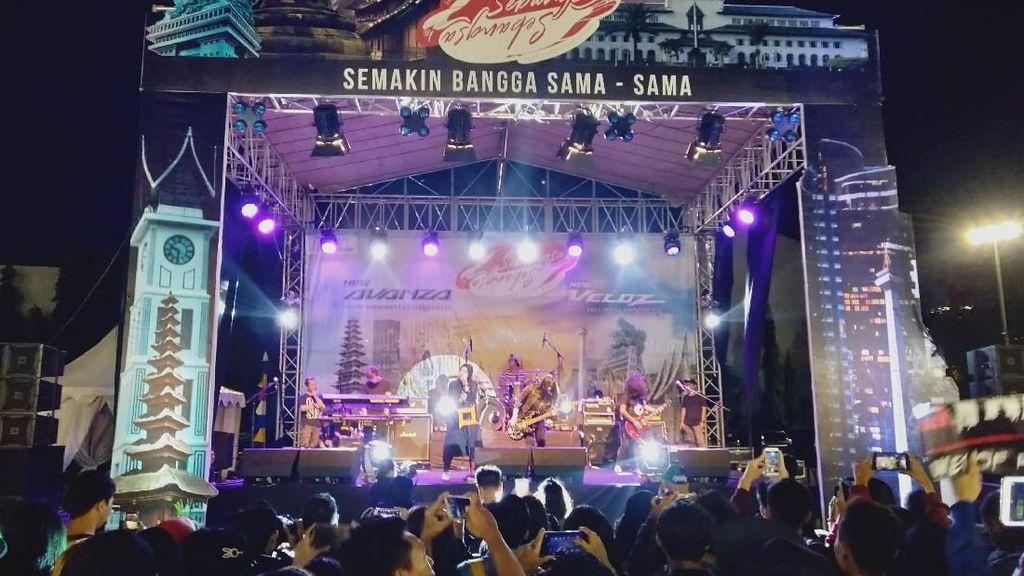 Teriakan Tantri Kotak Tutup Avanza-Veloz Sebangsa Surabaya