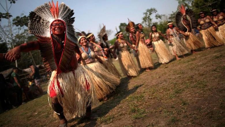 Cara Suku Shanenawa Menolak Pembakaran Hutan Amazon