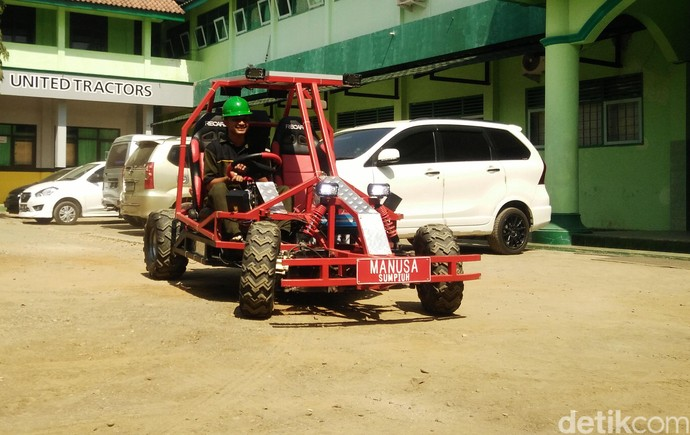 Mobil Listrik Tenaga Surya Buatan SMK