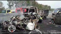 Video Kecelakaan Beruntun di Tol Cipularang Sejumlah Mobil Terbakar