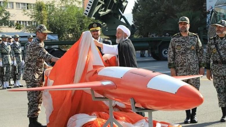 Iran Pamerkan Drone Pengintai Baru, Bisa Menyerang dari Jarak Jauh