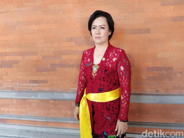 Anggota DPRD Bali dari PSI Galau Terima PIN Emas Saat Dilantik