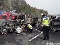 Beda Kemenhub-PUPR Soal Biang Kerok Kecelakaan di Tol Cipularang