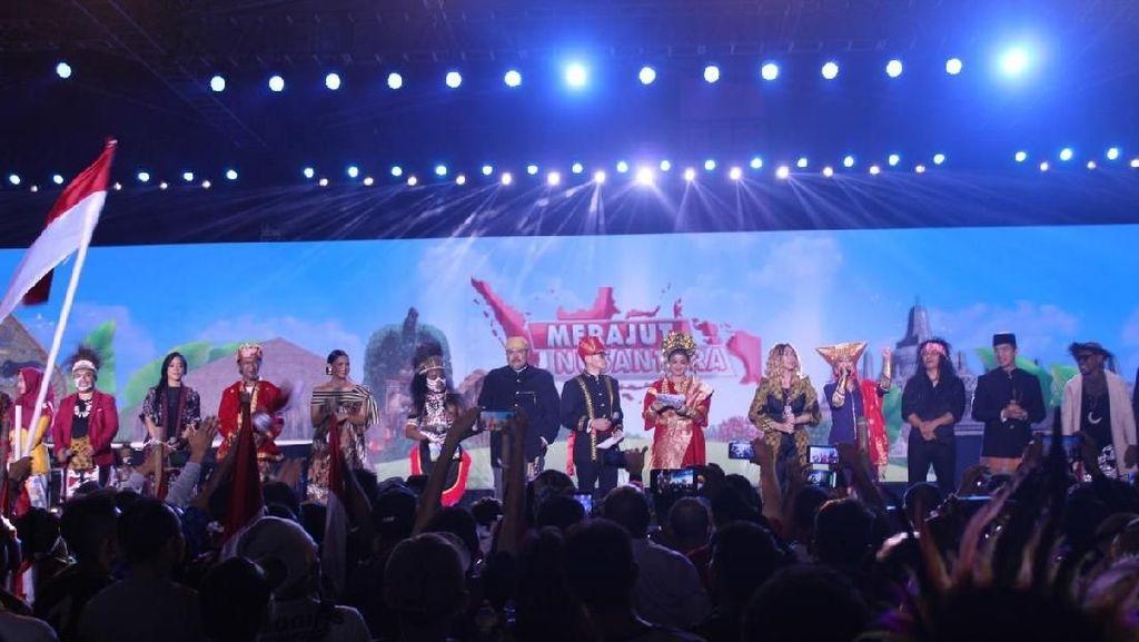 Arie Kriting Bicara Bahasa Satukan Bangsa di Acara Merajut Nusantara
