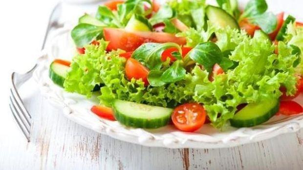salad sayuran topping kentang goreng