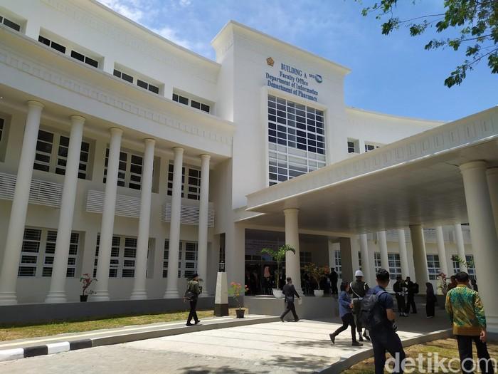 Wapres Jusuf Kalla meresmikan sejumlah gedung untuk tiga fakultas di Universitas Syiah Kuala (Unsyiah) Aceh.