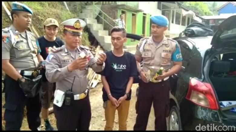 Razia Sopir Mabuk, Polisi Temukan Tembakau Gorila Hingga Kondom