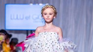 Model Cilik Tanpa Kaki Ukir Sejarah di Catwalk New York Fashion Week