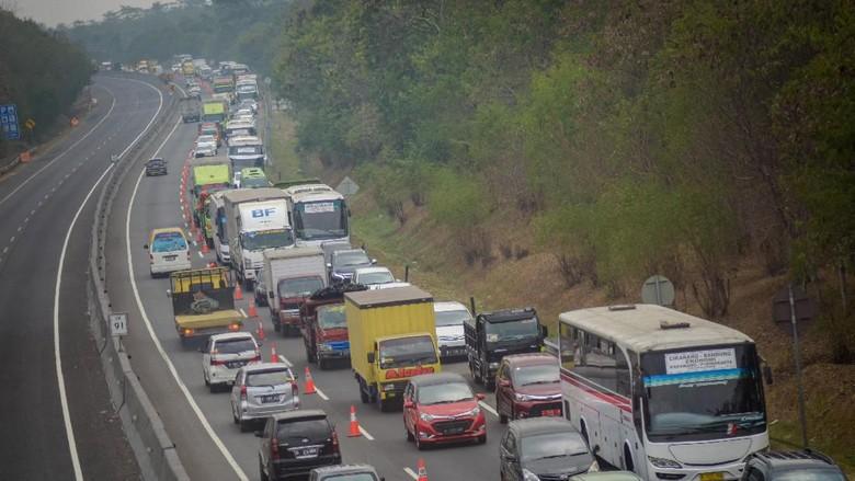 Pemberlakuan Contraflow di Tol Cipularang