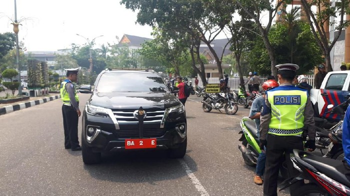 Mobil Dinas di Pekanbaru Terjaring Operasi Patuh (Foto: Istimewa)