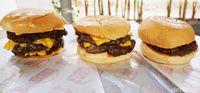 Burger Bener : Cukup Rp 13 Ribu Bisa Makan Burger Enak di Sini