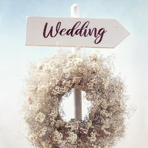 Positif Corona, Pasangan Menikah Pakai Baju Hazmat di Pusat Penanganan Covid
