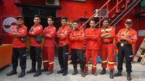 Perjuangan Pemadam Kebakaran Hutan, Dikejar Api sampai Beruang Madu