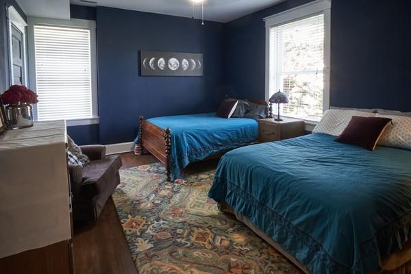 The Hobo Hill House sudah seringkali masuk dalam acara TV di AS serial yang mistis-mistis (Airbnb)