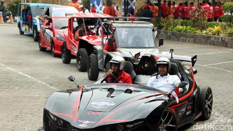 Konvoi kendaraan listrik ITS di Jakarta Foto: Rengga Sancaya