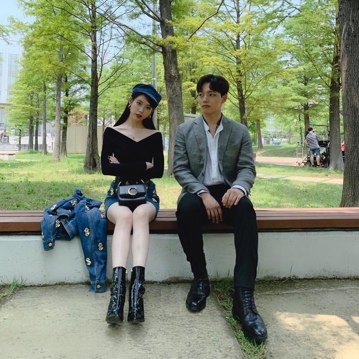 IU dan Yeo Jin-goo bintang serial drama Korea, Hotel Del Luna. Foto: Dok. Instagram @fullmoon.long