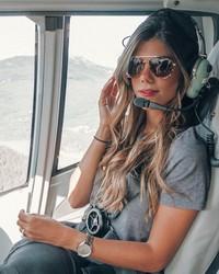 Inilah Luana Torres, gadis berusia 29 tahun dari Brasil yang berprofesi sebagai pilot helikopter. Luana akhirnya berhasil meraih cita-citanya sedari kecil. (Instagram/@pilotluana)