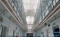 Berani Tidur di Penjara Berhantu?