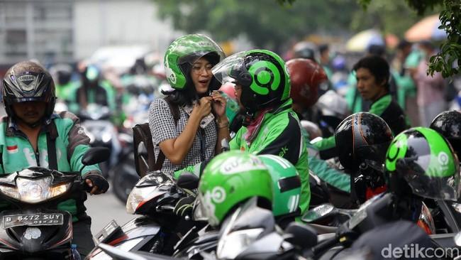 BUMN Buyback Saham Rp 8 T, Tarif Ojol Naik Rp 250/Km