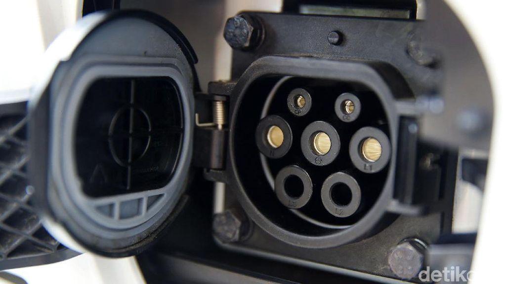 Gandeng Perguruan Tinggi, Menristekdikti Garap Mobil Listrik