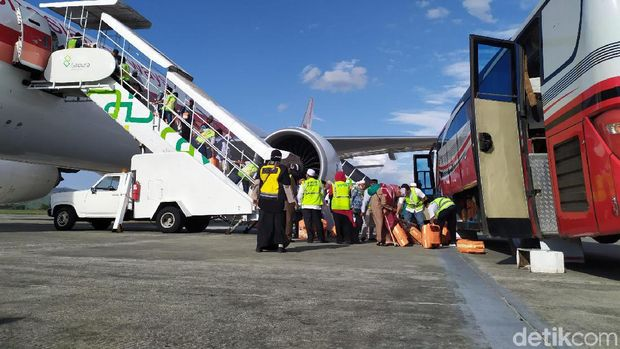 Sebanyak 392 jemaah haji kloter 1 embarkasi Aceh tiba di Tanah Rencong.