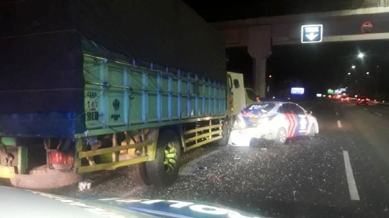 Kecelakaan Libatkan Mobil Patroli di Tol Ciledug, Satu Orang Tewas