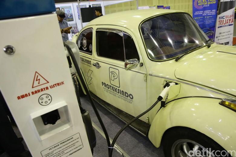 VW Kodok Listrik Pertama di Indonesia. Foto: Grandyos Zafna