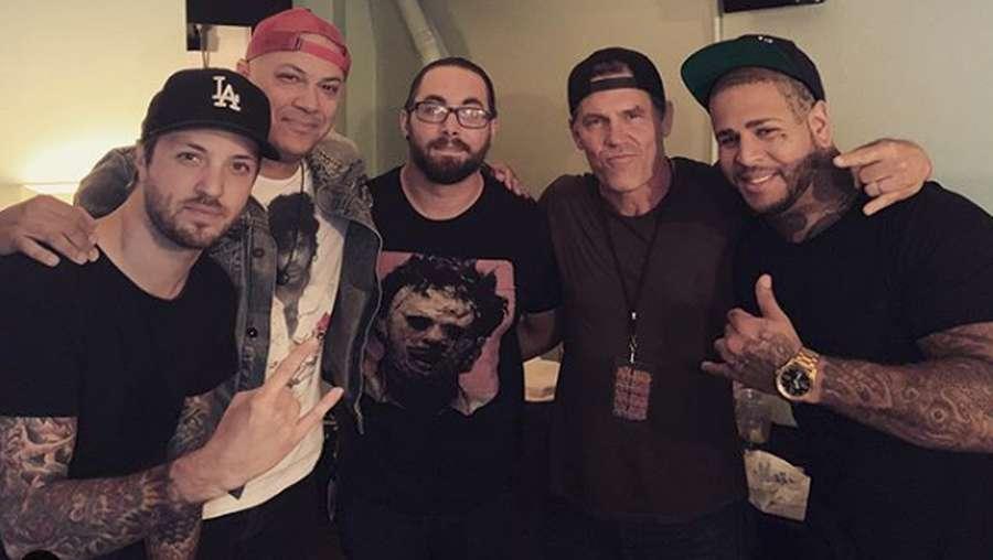 Aksi Thanos bersama Vokalis Papa Roach dan Bad Wolves