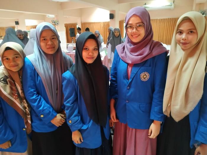 Mahasiswi asal Indonesia yang sedang KKN di Thailand. (Audrey Santoso/detikcom)