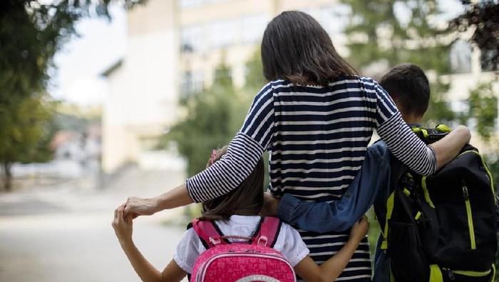 Sebenarnya berapa lama waktu sekolah yang ideal bagi anak? (Foto: iStock)