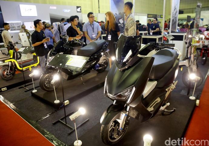 Pesta Kendaraan Listrik di Jakarta