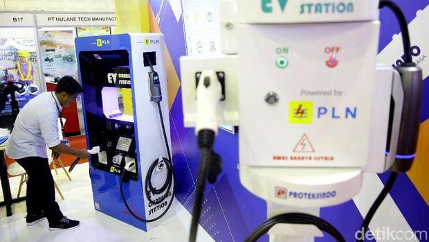 Ilustrasi pengisian listrik