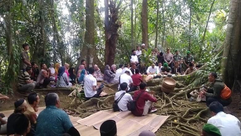 Tradisi Hajat Bumi di Desa Jagabaya, Ciamis (Dadang Hermansyah/detikcom)