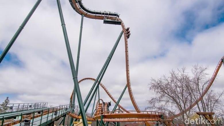 Roller Coaster Keluar Jalur di Meksiko, 2 Orang Tewas