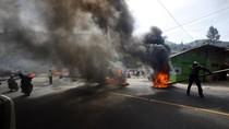 Aksi Bakar Ban Tolak Penggusuran Reda, Lalin Puncak Bogor Normal